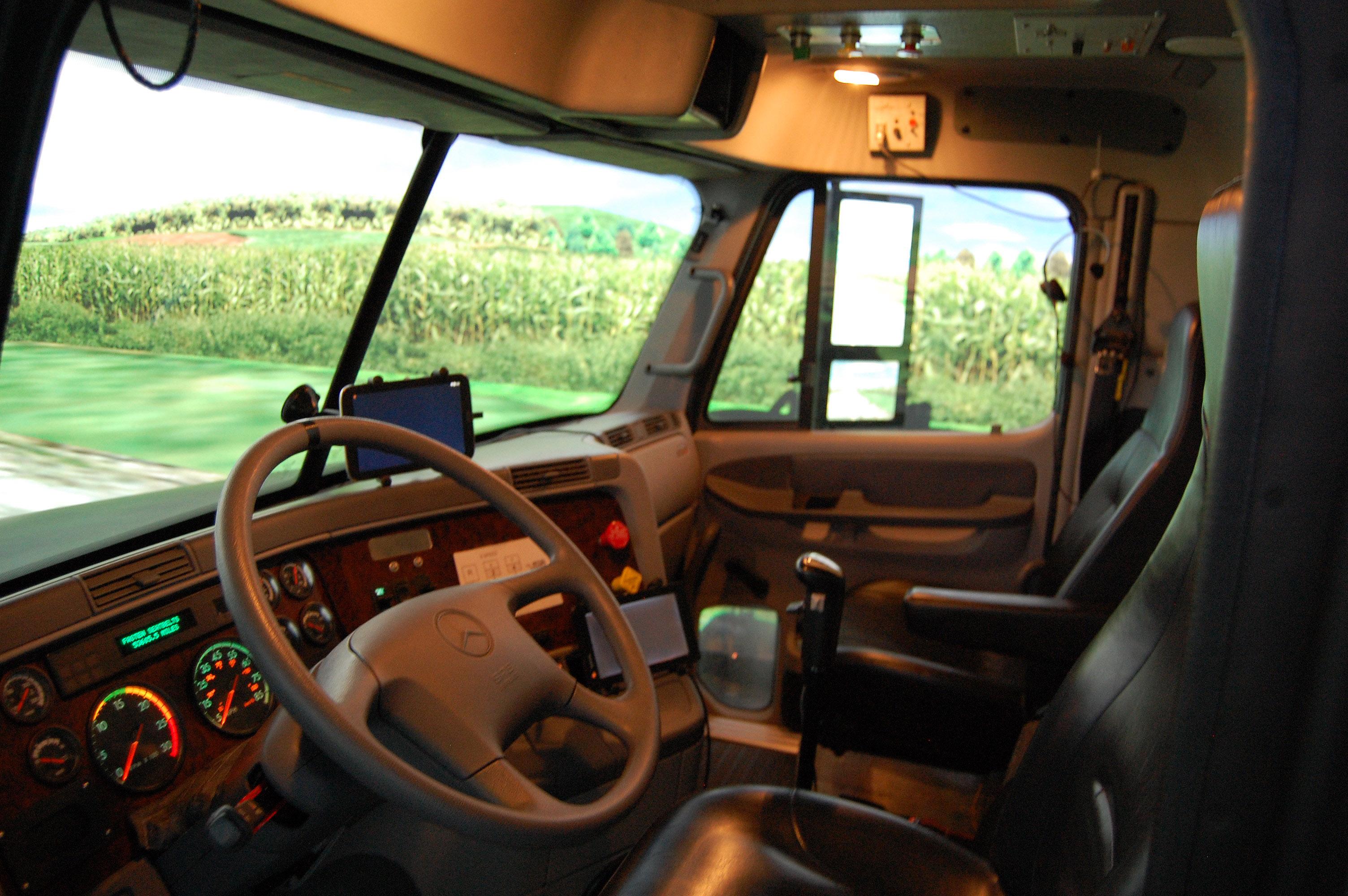 Old Driving Simulator Nads Freightliner Inside